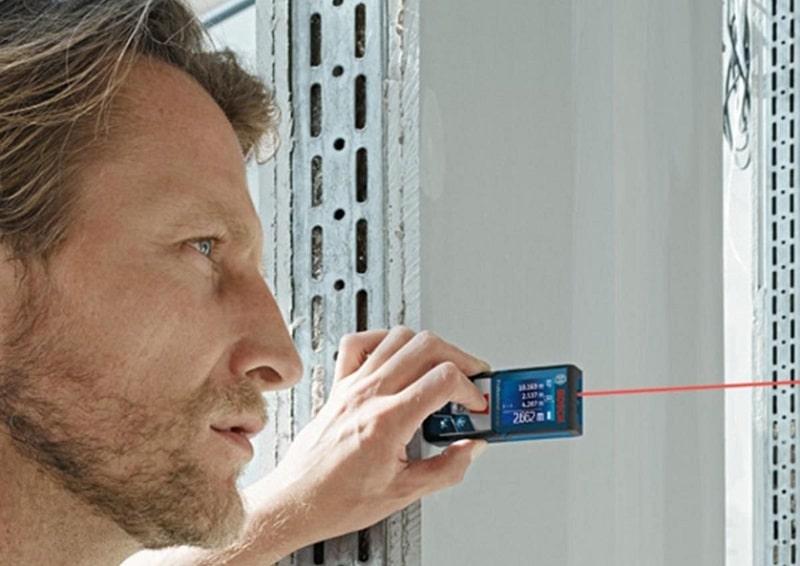 GLM 500 Bosch được thiết kế nhỏ gọn, tích hợp nhiều chức năng