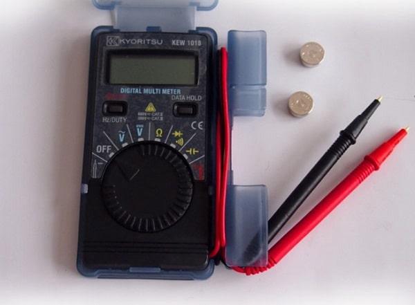 Kyoritsu 1018H là đồng hồ vạn năng điện tử có khả năng đo cả điện áp AC và DC