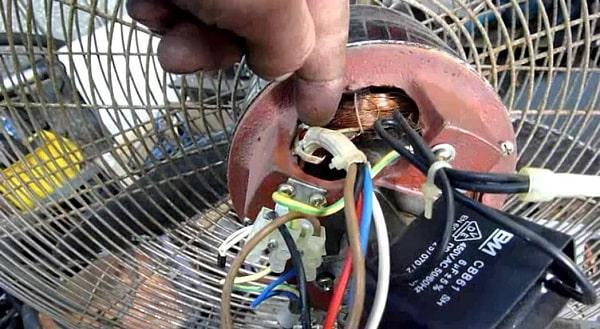 Sửa quạt điện hỏng bằng đồng hồ vạn năng