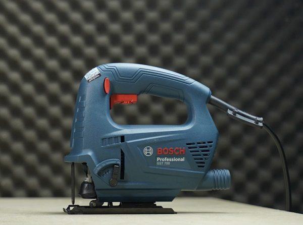 Máy cưa lọng Bosch GST 700