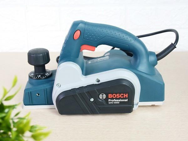 Máy bào gỗ Bosch và những đặc điểm, công dụng