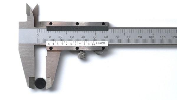 Thước cặp cơ Mitutoyo có thể cân nhắc chọn thước dụng thước Mitutoyo 530 - 104 hay Mitutoyo 530 - 118.