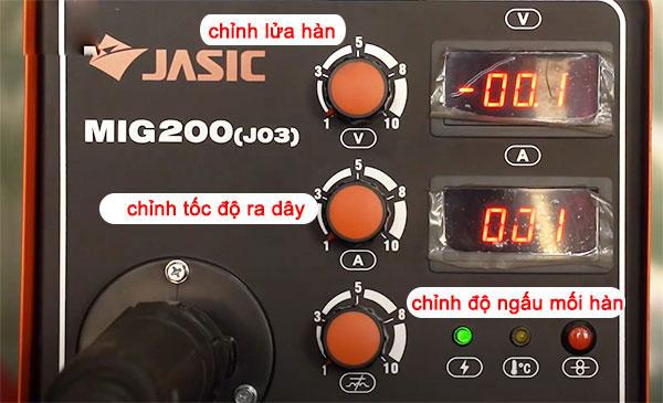 Bảng điều khiển trên máy hàn Mig Jasic